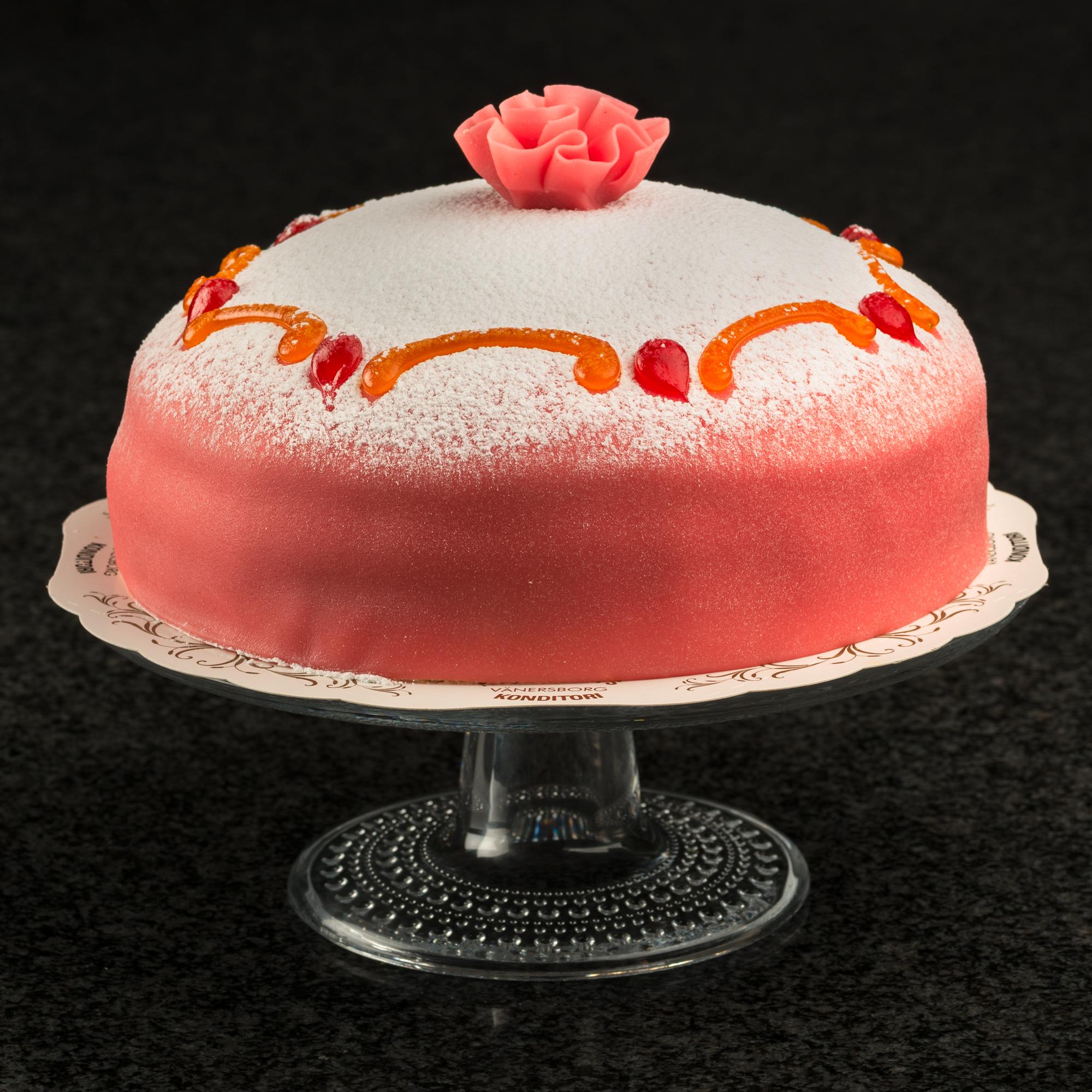 rosa operatårta